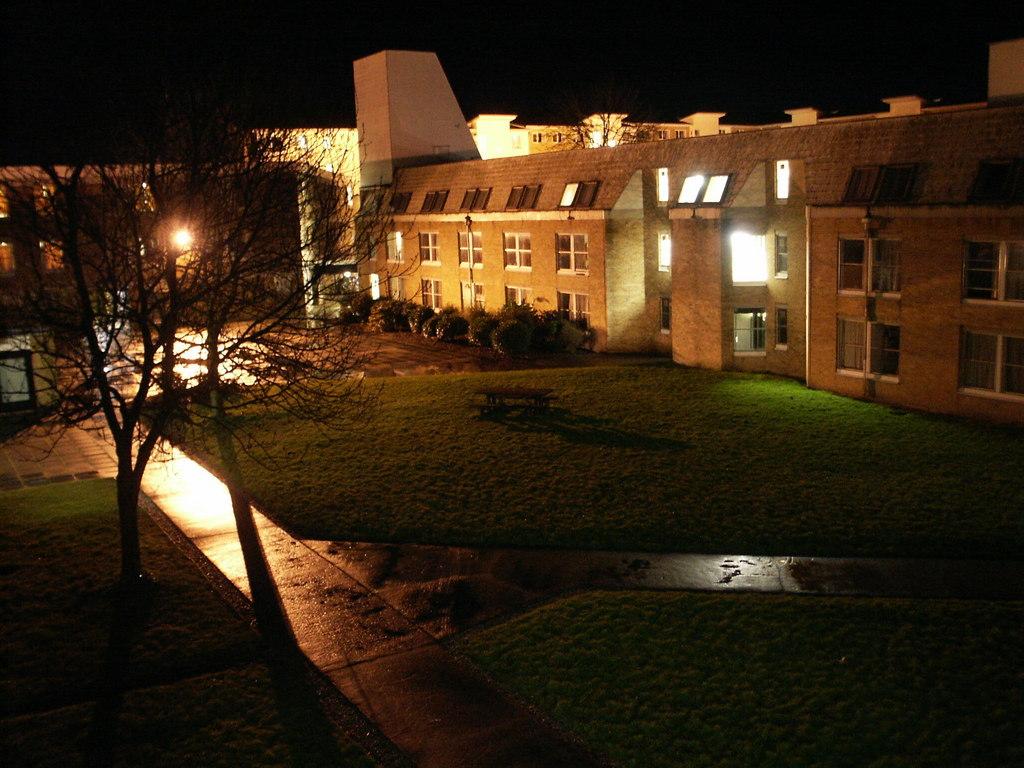 Avian's Blog: Lancaster university by night