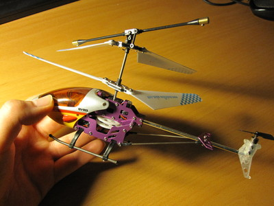 3-channel IR-controlled indoor model helicopter