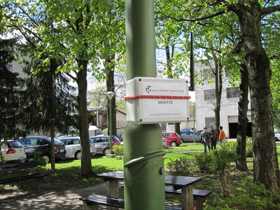 VESNA sensor node mounted on a light pole