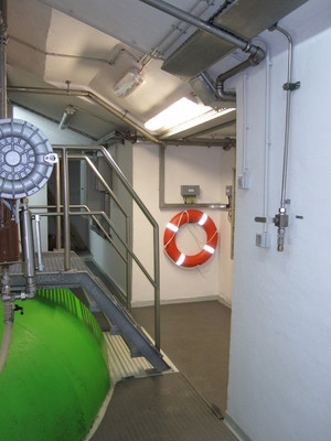 Flotation device near the turbine of HE Moste