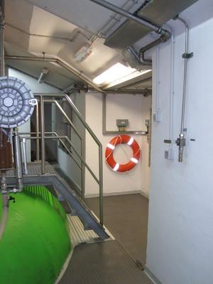 Flotation device near the turbine of HE Moste