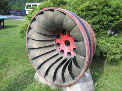 Bronze Francis turbine on display at HE Moste