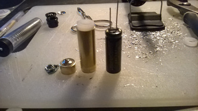 Capacitor, casing and circuit board.