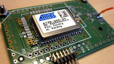 Atmel ATZB_900_B0 module on a VESNA SNR-MOD board.